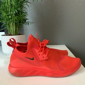NIKE SIZE 9.5 RED SNEAKERS